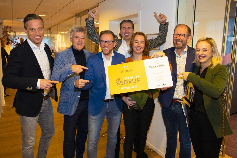 Van rechts naar links: Corinne Mulder, Wim Wijnholds, Marleen Ruitenbeek, Pieter van den Hoogenban, Peter Wijnholds en twee mensen van Lifeguard