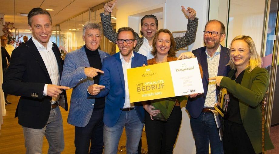 Van rechts naar links: Corinne Mulder, Wim Wijnholds, Marleen Ruitenbeek, Pieter van den Hoogenban, Peter Wijnholds en twee mensen van Lifeguarden